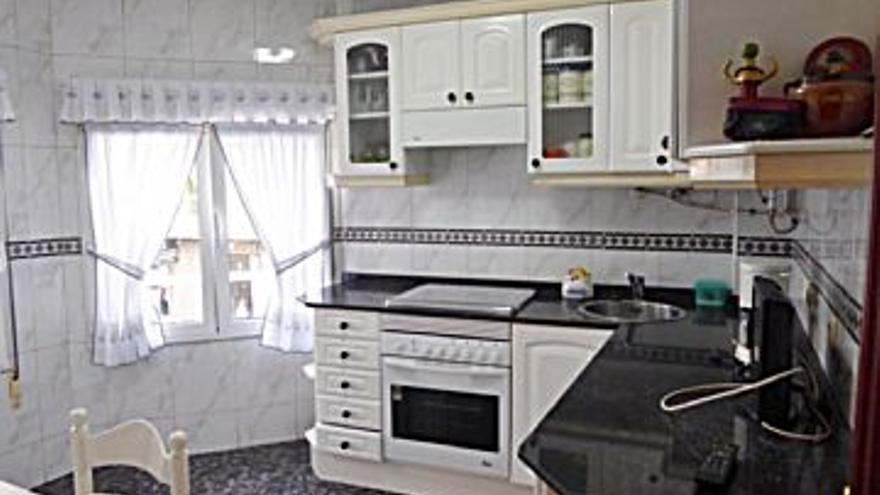 550 € Alquiler de piso en Laviada (Gijón) 78 m2, 2 habitaciones, 1 baño, 1 aseo, 7 €/m2, 1 Planta...