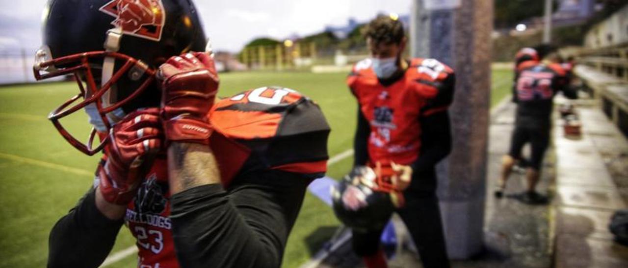 Equipo de fútbol americano 'Tenerife Helldogs'