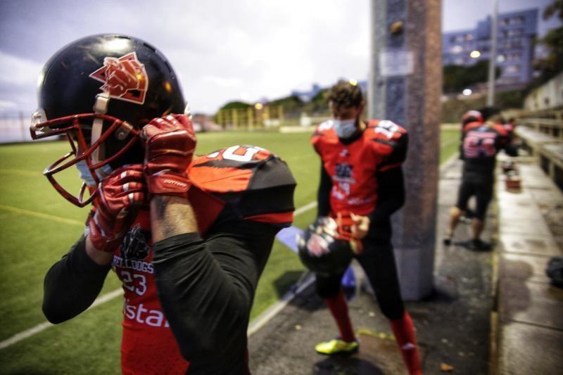 Equipo de fútbol americano Tenerife Helldogs