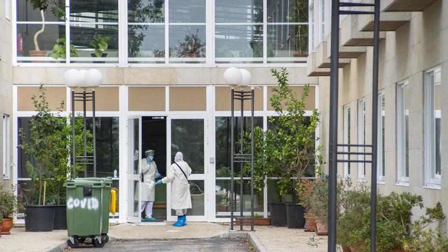 Mueren otros dos residentes de centros de mayores gallegos por Covid-19