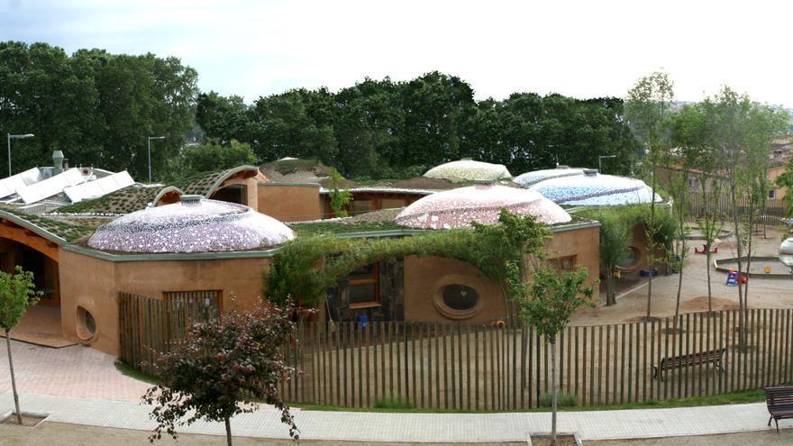 Arquitectura ecológica e integrada en el paisaje para la nueva escuela de la Vall de Gallinera