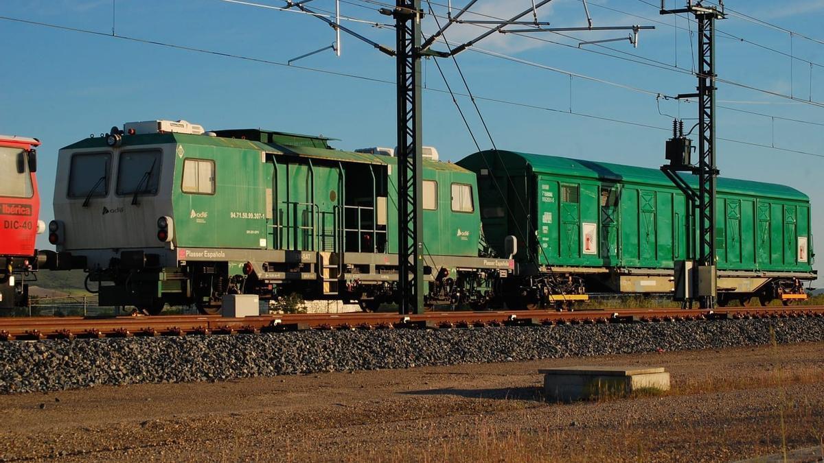 Tren de auscultación geométrica para las pruebas en el tramo de Alta Velocidad Pedralba-Orense.