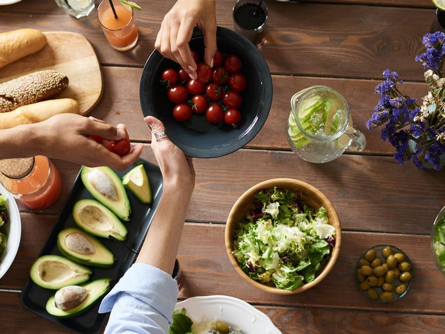 El alimento sin apenas calorías que debes cenar si quieres perder peso de noche