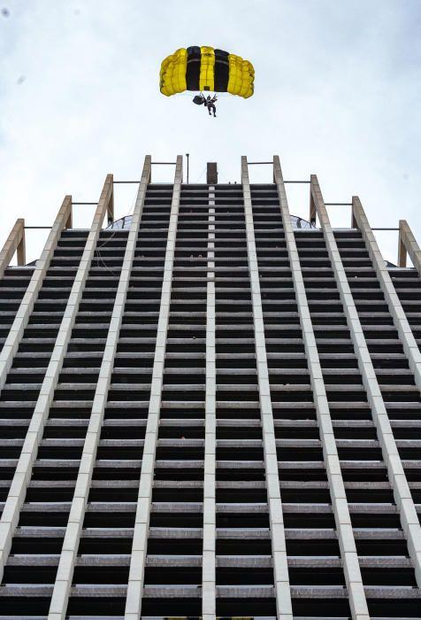 Salto base desde el hotel Bali de Benidorm