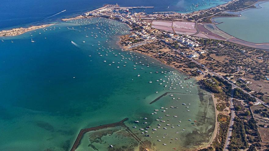 El Consell de Entidades de Formentera definirá antes de octubre el proyecto de fondeos de s'Estany des Peix