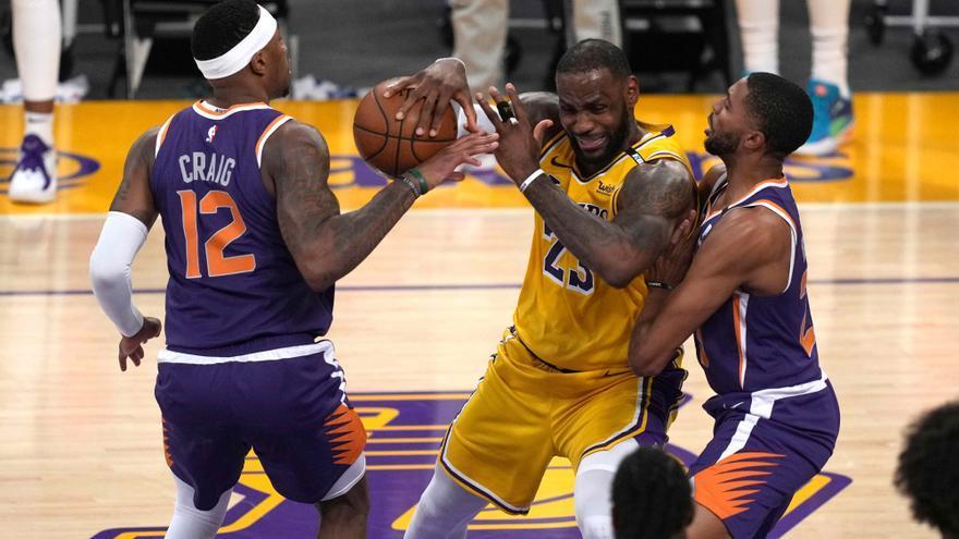 Los Suns completan la sorpresa y eliminan a los Lakers