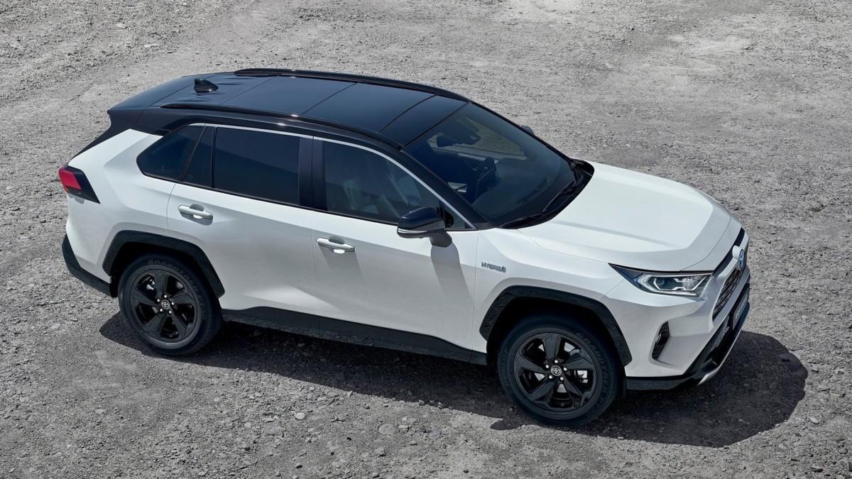 Los 10 coches híbridos más vendidos en diciembre en España