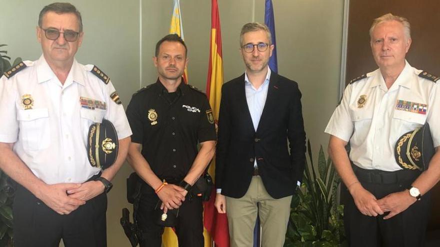 La Generalitat condecorará al policía que socorrió a un hombre que cayó a las vías del metro de Meliana