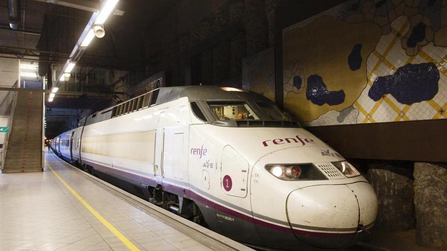 Una avería en el AVE Castellón-Madrid obliga a los pasajeros a subir al Cercanías