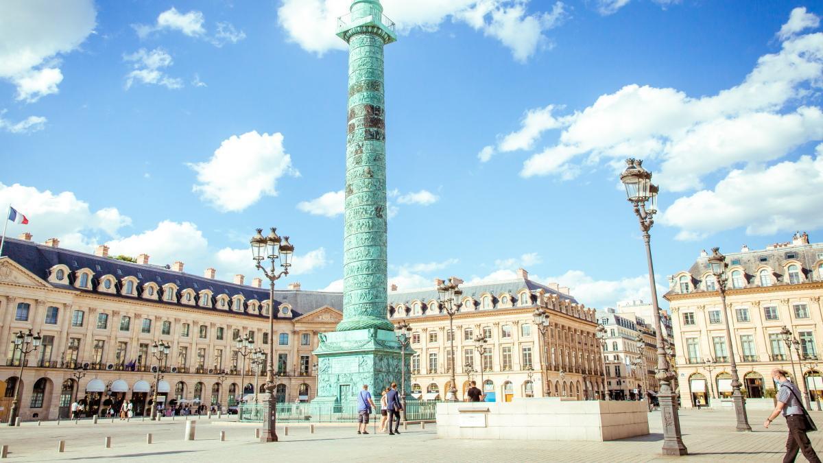 Place Vendôme de París.