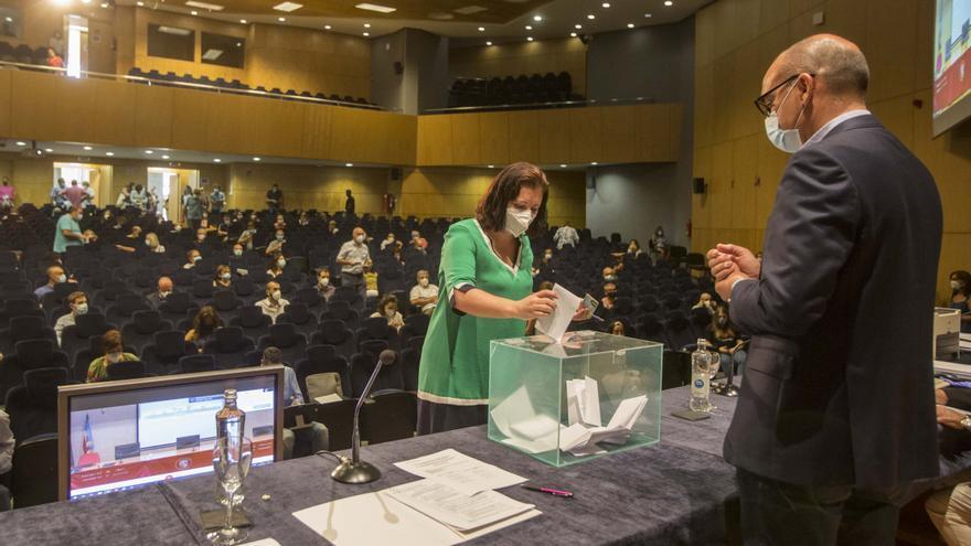 La UA necesita cuatro recuentos para solventar la votación de claustrales