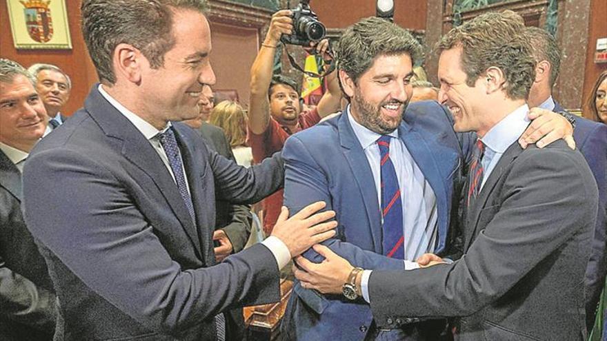 Vox y Cs brindan al PP el gobierno regional de Murcia