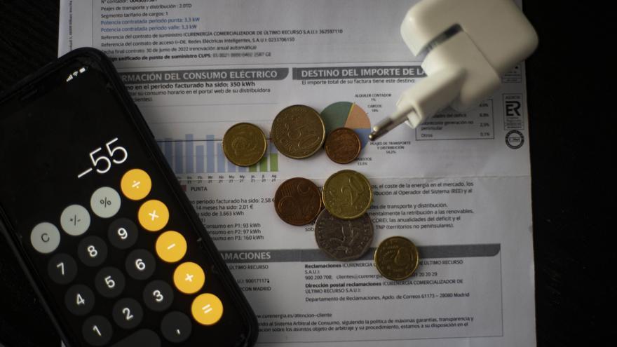 El precio de la luz se desboca en plena tensión entre las eléctricas y el Gobierno