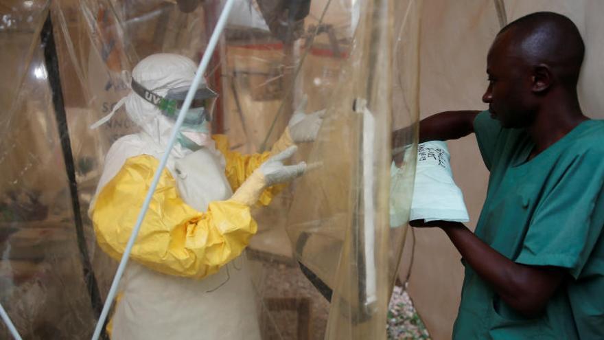 Muere el niño que dio positivo por ébola en Uganda