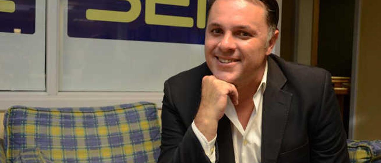 El periodista Santiago Negrín, actual jefe de informativos de Radio Club Tenerife (Cadena Ser).
