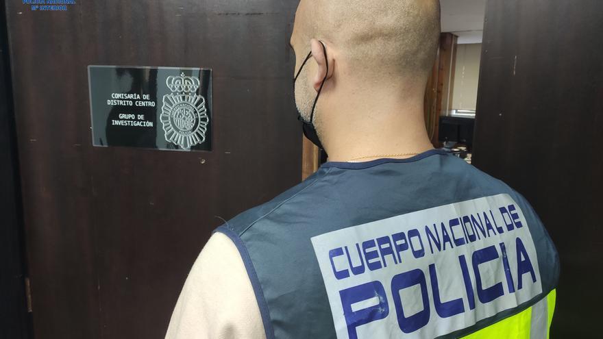 Detenida una carterista 'cariñosa' que robaba dando abrazos a hombres