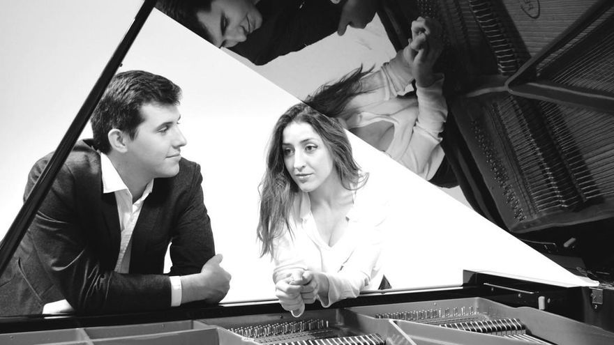 «Al piano som quatre mans i un sol batec»