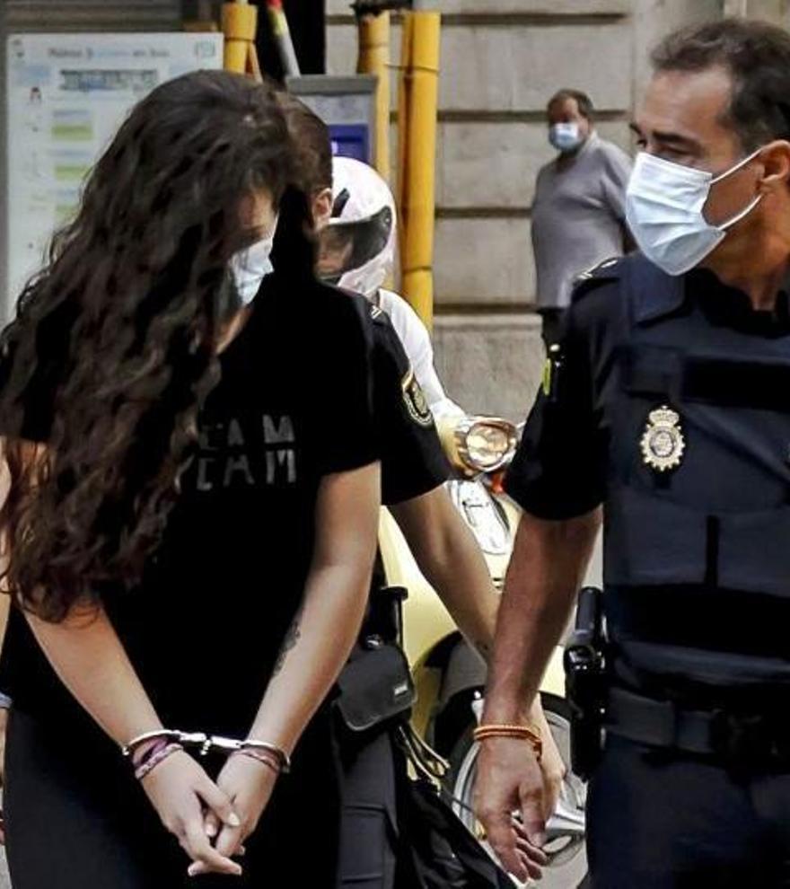 """La acusada de asesinar a su novio a navajazos en Ibiza: """"No quería matarlo"""""""