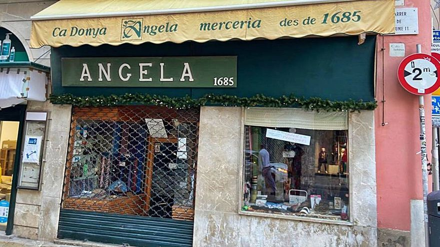 La tienda más antigua, Ca Donya Àngela, agradece a las mallorquinas la Medalla de Oro