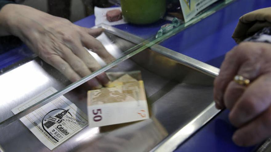 Recomendaciones a la hora de compartir o comprar lotería