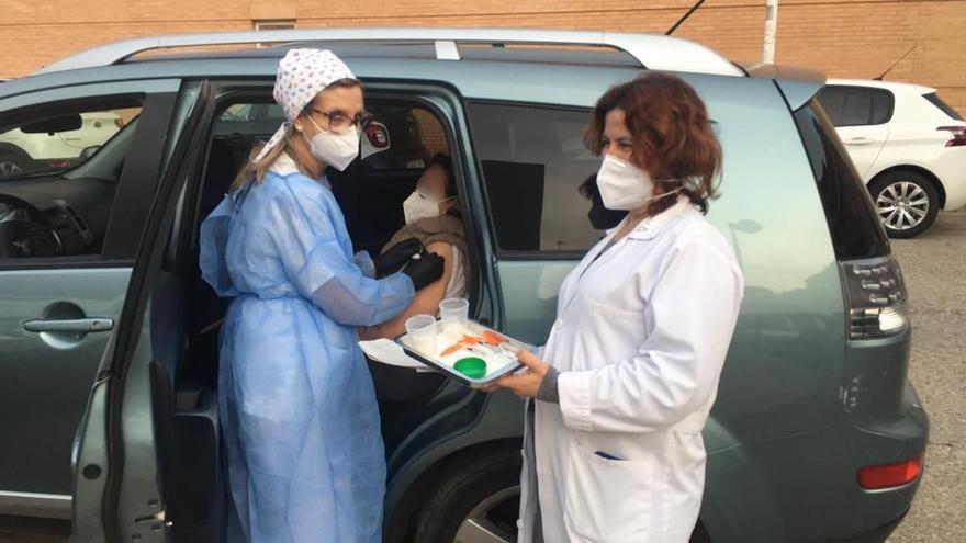 Alboraia vacuna contra el Covid-19 a 156 mayores de 90 años