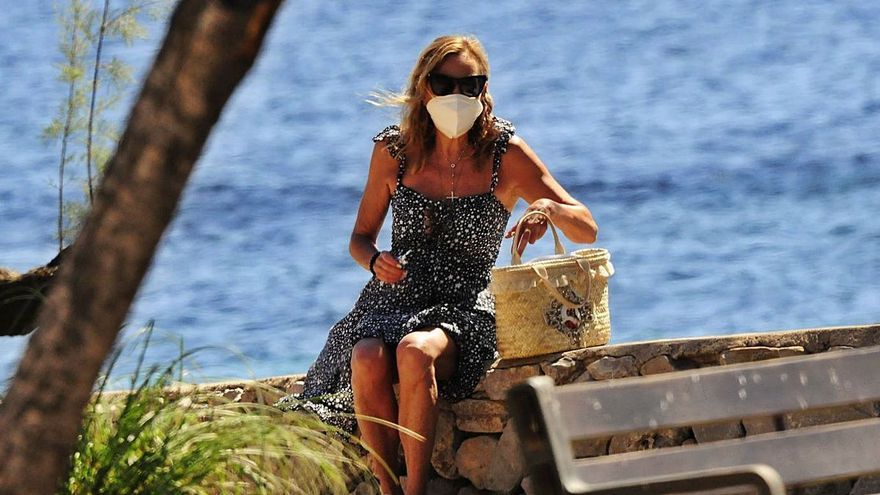 Ana Obregón llega a Mallorca tras la pérdida de su madre