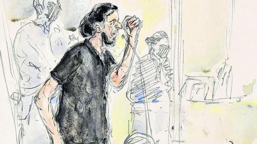 El terrorista dels atemptats gihadistes a París desafia el jutge en la seva declaració