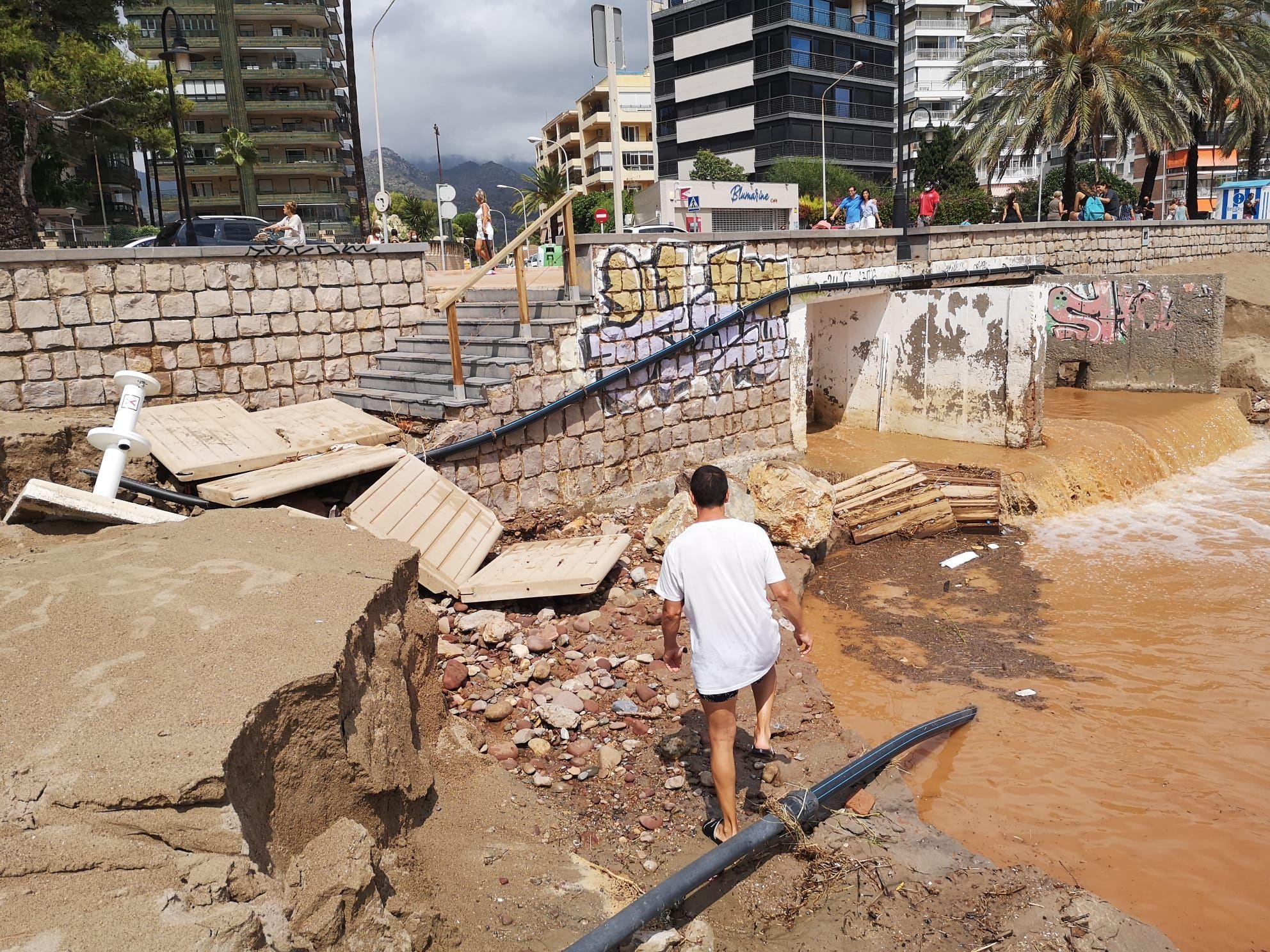 Impactantes imágenes del aguacero caído en Benicàssim