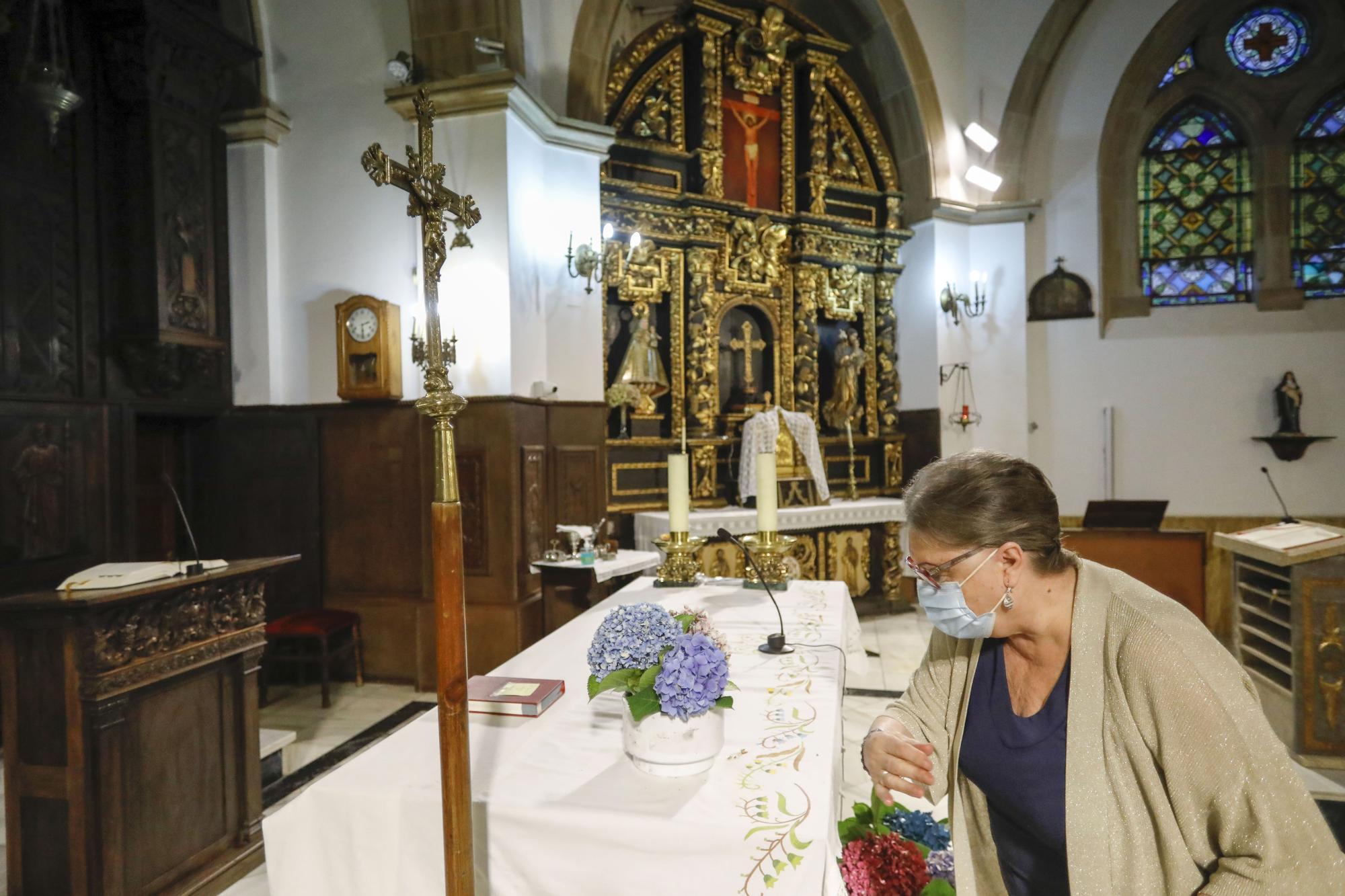 Jove se prepara para la llegada del nuevo párroco