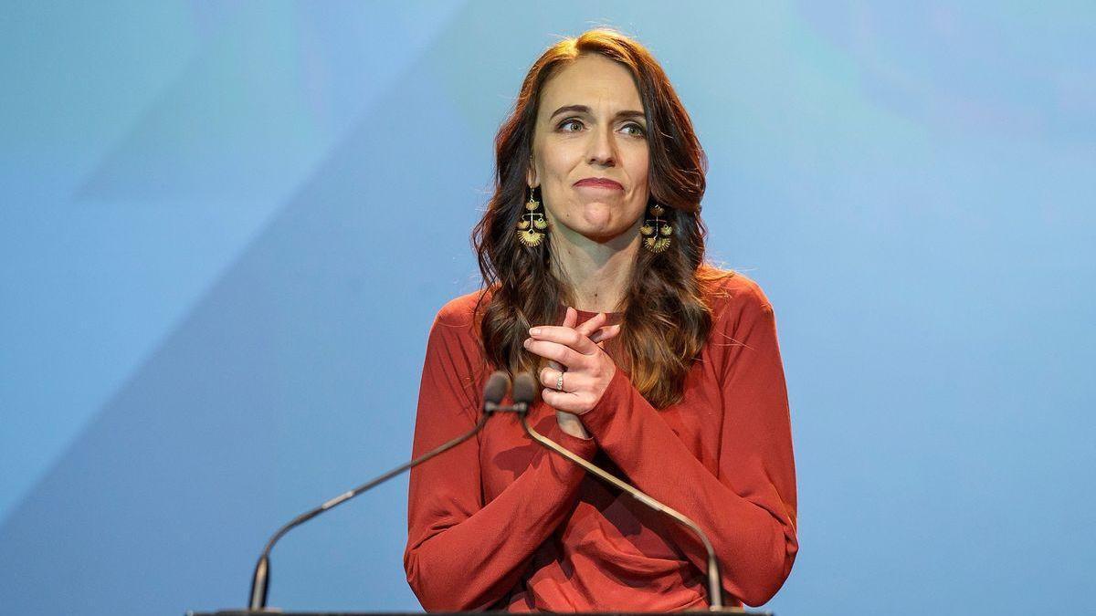 """La primera ministra de Nueva Zelanda pide a la población """"delatar"""" a quienes se salten las restricciones"""