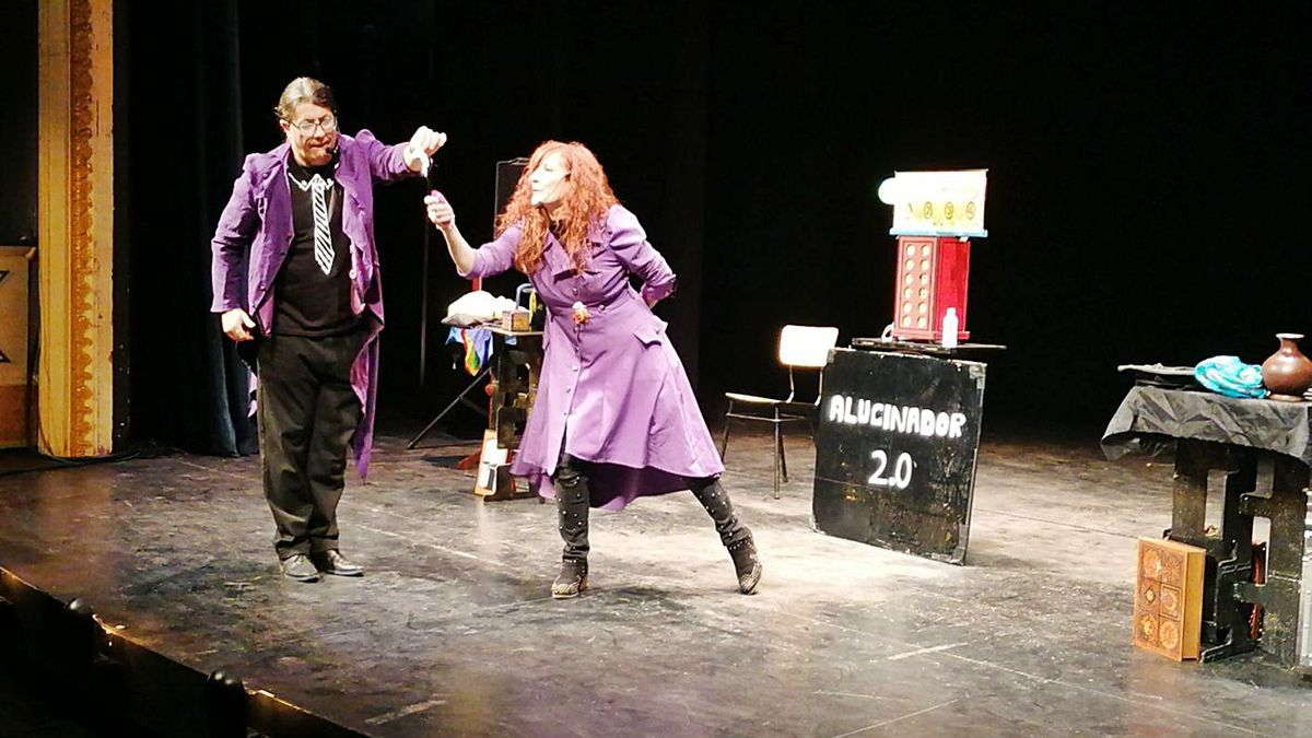 """""""Fantasía y Comodín"""" llenan de magia y cuentos el Teatro Latorre"""