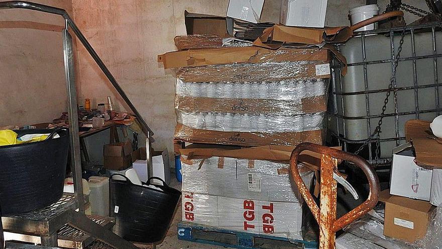 Dos detenidos en un laboratorio clandestino de Boiro por vender a hospitales falso hidrogel