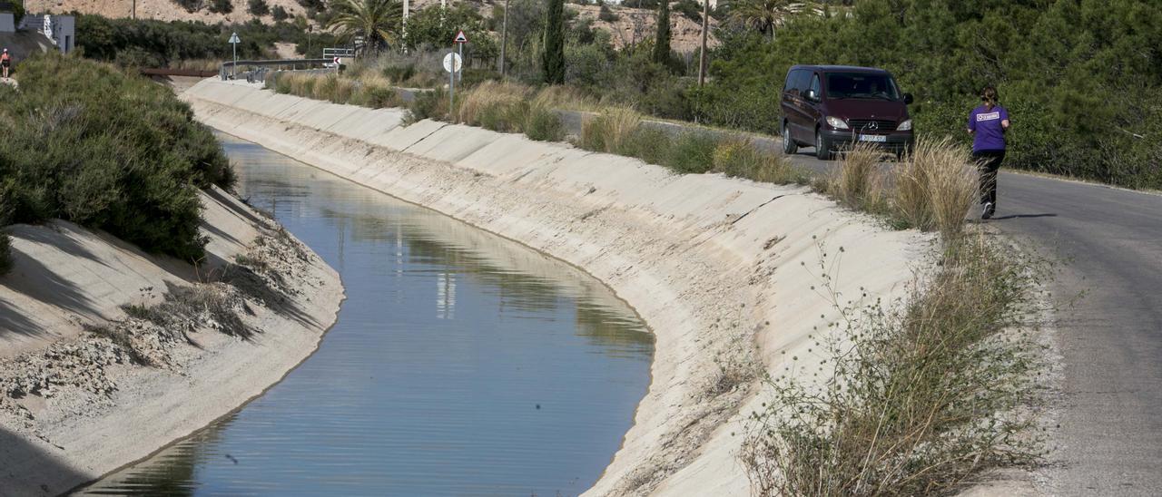 Canal de distribución del agua del Tajo en el Campo de Elche