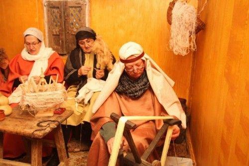 El belén cobra vida en Monfarracinos