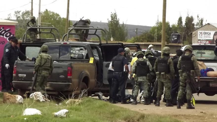Una refriega de 12 horas entre cárteles mexicanos deja al menos 35 muertos