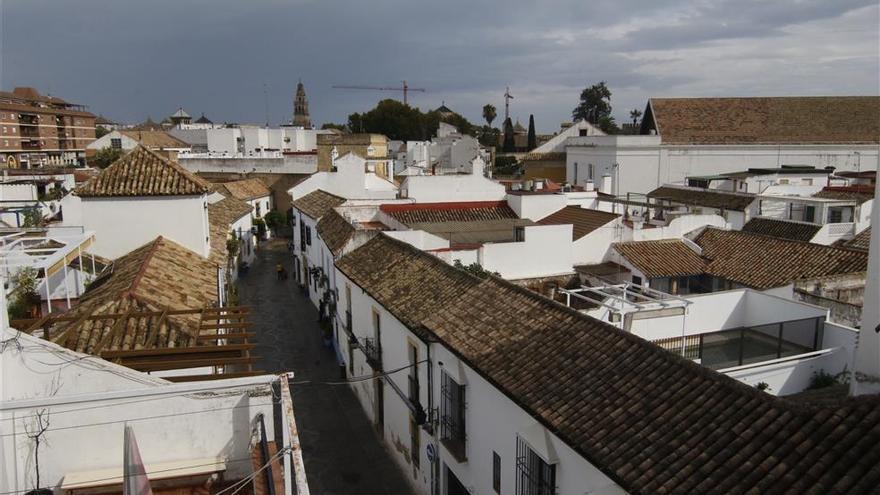 El tiempo en Córdoba: cielos nubosos y mínimas en descenso