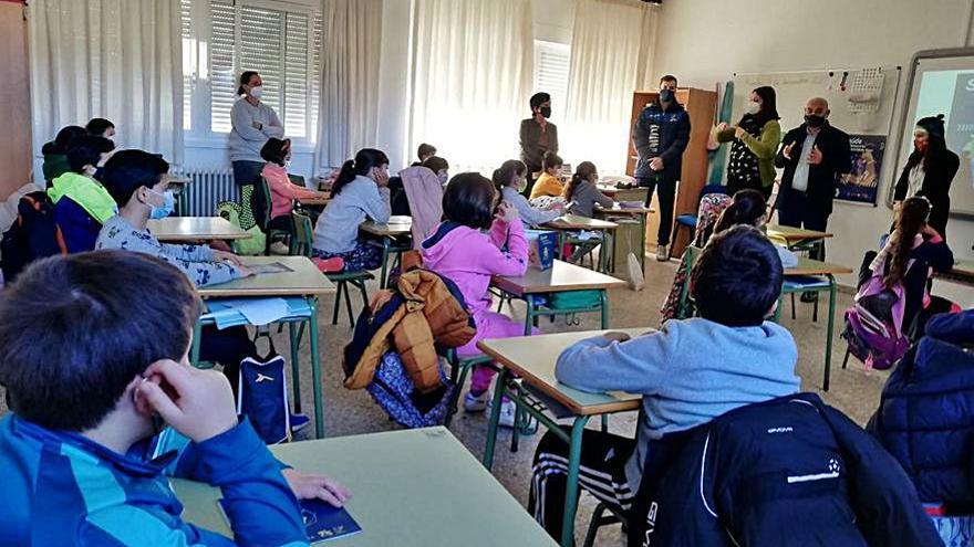 Marko Dzokic y Caüe Herrera, primeros ponentes del taller escolar sobre salud y deporte