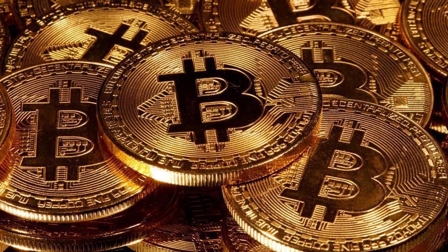 El bitcóin pulveriza su récord histórico y se acerca a los 24.000 dólares