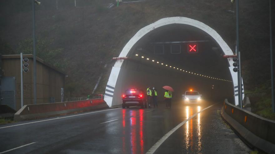 """Todos los empresarios de la provincia ven """"injustificable"""" que el túnel de O Folgoso siga cerrado"""