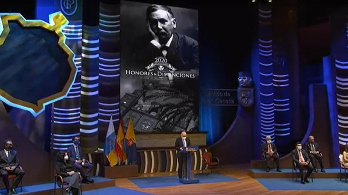 El presidente del Cabildo de Gran Canaria, Antonio Morales, durante su discurso en el acto de entrega de Honores y Distinciones de la institución