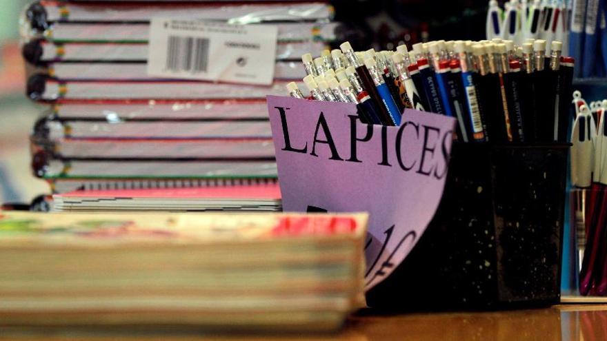Arranca en Vila-real una recogida de material escolar para niños de familias sin recursos