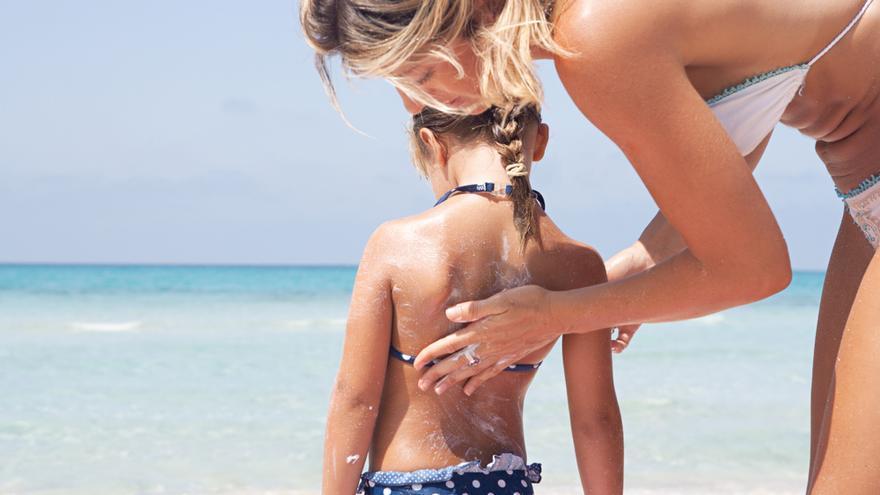 Sanidad avala el factor de protección de dos cremas solares de ISDIN y Ladival tras nuevos estudios