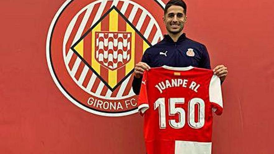 Juanpe celebra contra el Saragossa el    seu partit 150 de blanc-i-vermell