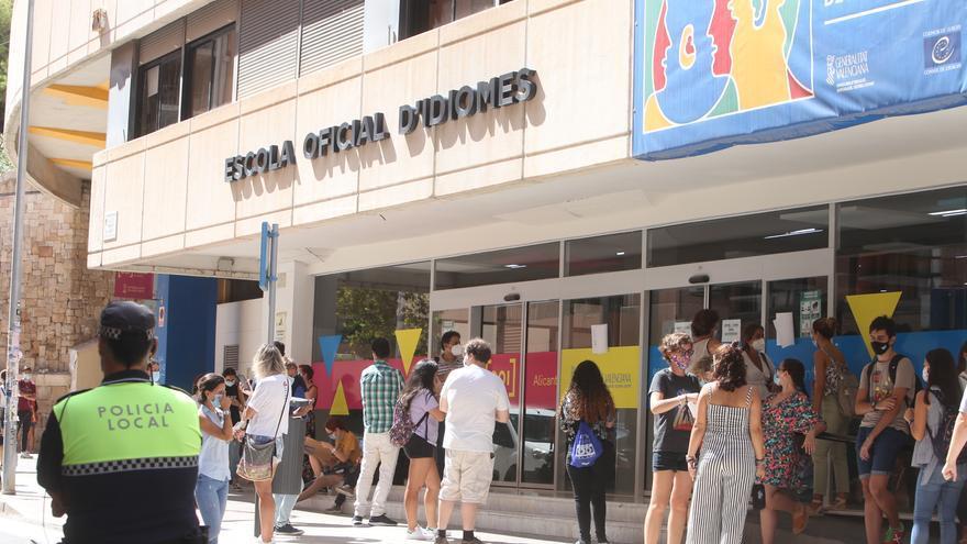 La Escuela Oficial de Idiomas, sin plazas para examinarse de valenciano