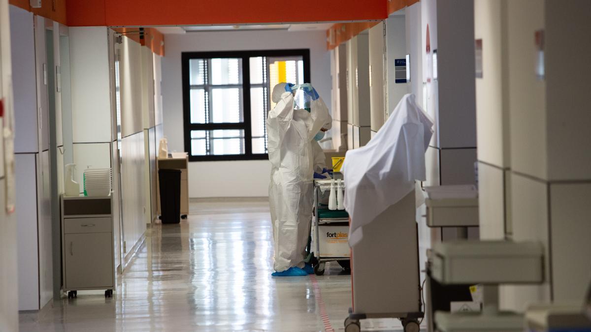 Enfermera en el Hospital de Can Misses durante la pandemia.