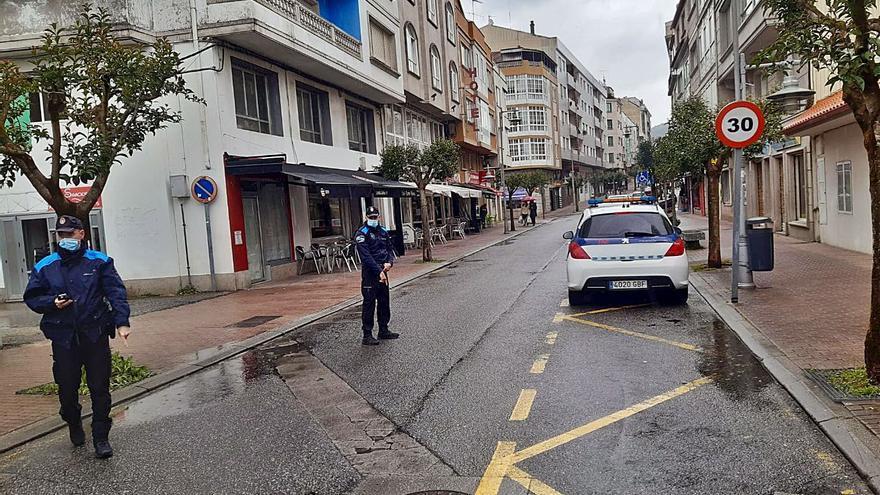 Cangas es el único concello de la comarca que cambia las señales de limitación a 30 km/h