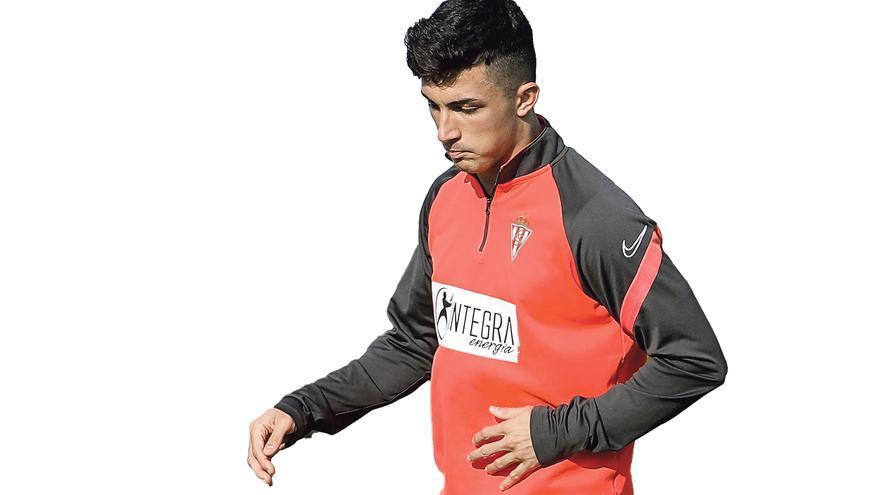 Manu García, saco de patadas rival: el jugador del Sporting es el cuarto futbolista de Segunda que más faltas recibe