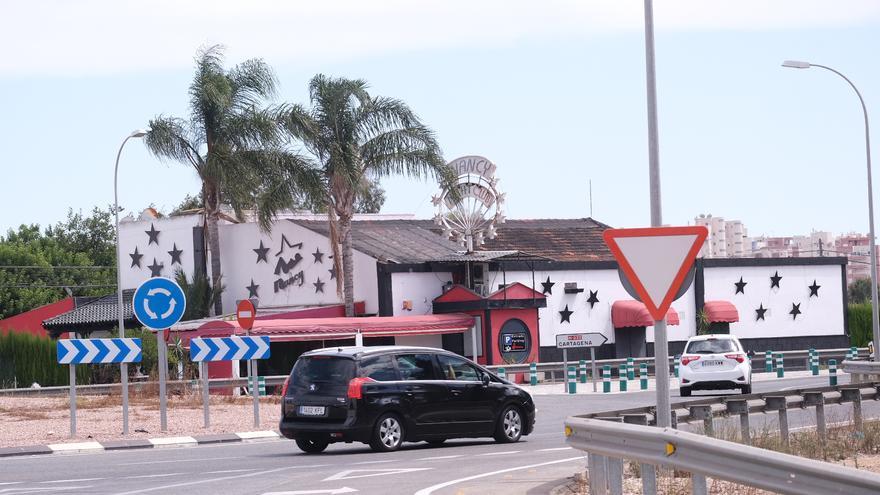 El PSOE pide al Ayuntamiento que se revisen las licencias de los locales donde se ejerce prostitución