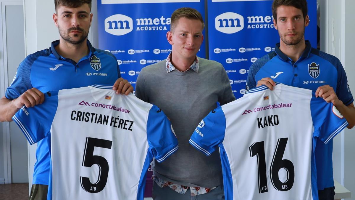 Cristian y Kako, junto al director deportivo Patrick Messow