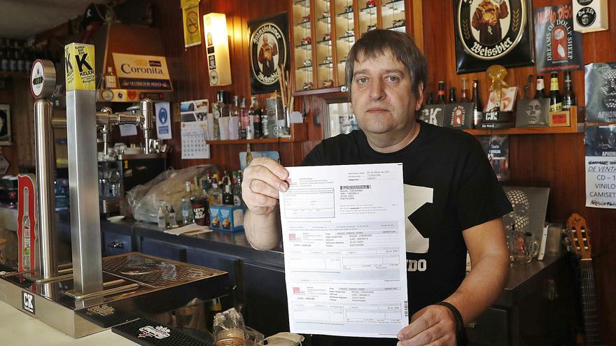 """El dueño de una cervecería estalla contra la SGAE: """"Me reclaman su 'impuesto' pese a tener el bar cerrado"""""""